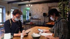 Петрозаводчане ходят в кафе с чужими справками и QR-кодами