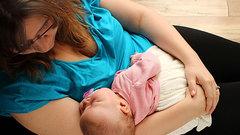 Кормление грудью защищает от инфаркта и инсульта