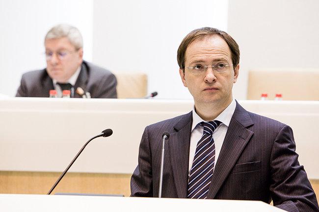 Труппе МХТ проинформировали оназначении худоруком театра Женовача
