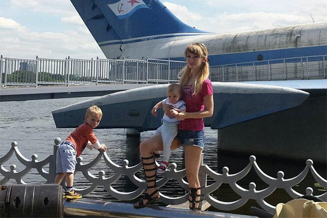 Елена Маркелова с детьми