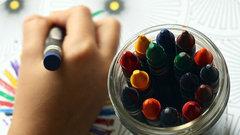 «Сажайте офицеров попарно»: как выявить гей-пропаганду в детских рисунках