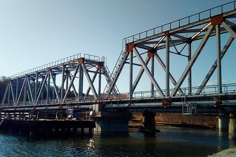 Завершающая стадия работ по реконструкции ж/д моста на Сахалине ГК СК Мост Байсарова